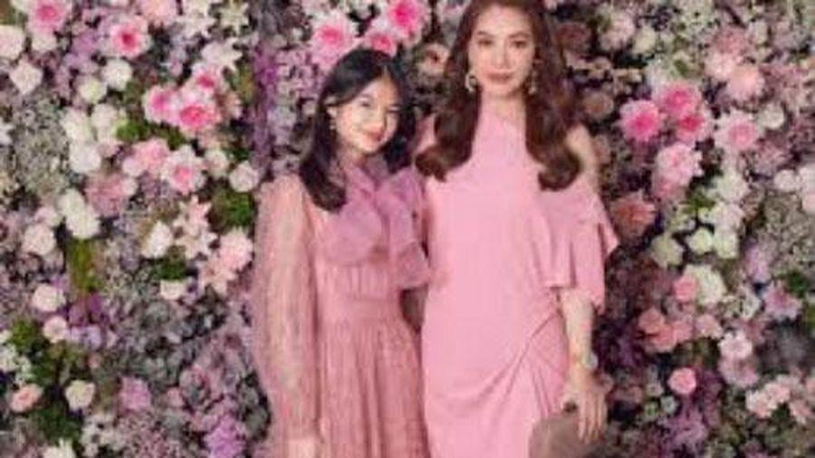 Con gái Trương Ngọc Ánh diện váy voan ra dáng quý tộc, so kè cùng dàn chân dài Vbiz tại tiệc hồng của NTK Đỗ Mạnh Cường