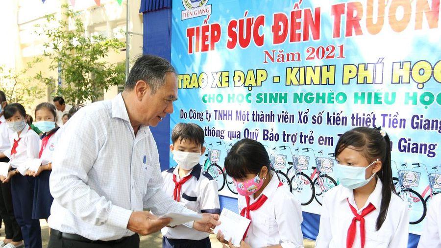 Tiền Giang khởi động chương trình 'Tiếp sức đến trường'