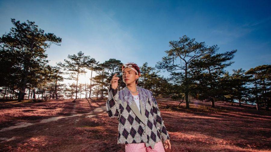 Chủ nhân 'To the Moon' ra mắt ca khúc 'Love you, bae!' viết tặng bạn gái cũ