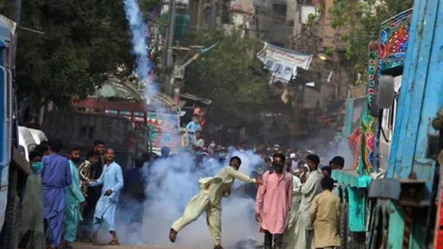 Nhóm Hồi giáo gây áp lực ép Quốc hội Pakistan bỏ phiếu trục xuất Đại sứ Pháp