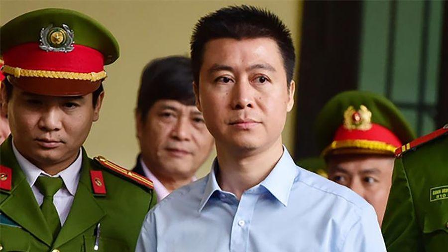 Tòa án tỉnh Quảng Ninh nói gì về việc Phan Sào Nam được giảm thời gian chấp hành án tù?