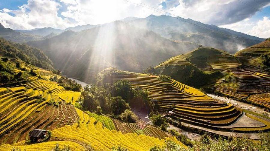 Khám phá Việt Nam qua bài thơ Trở lại Yên Bái
