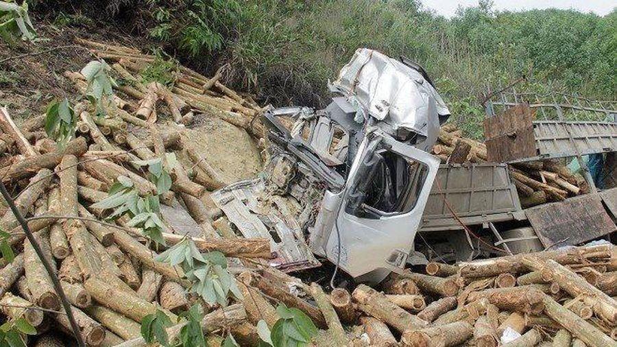 Xử phạt chủ doanh nghiệp xe tải chở gỗ trong vụ tai nạn khiến 7 người tử vong