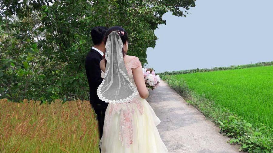 Chồng hủy kết bạn Facebook, về quê cưới vợ mới