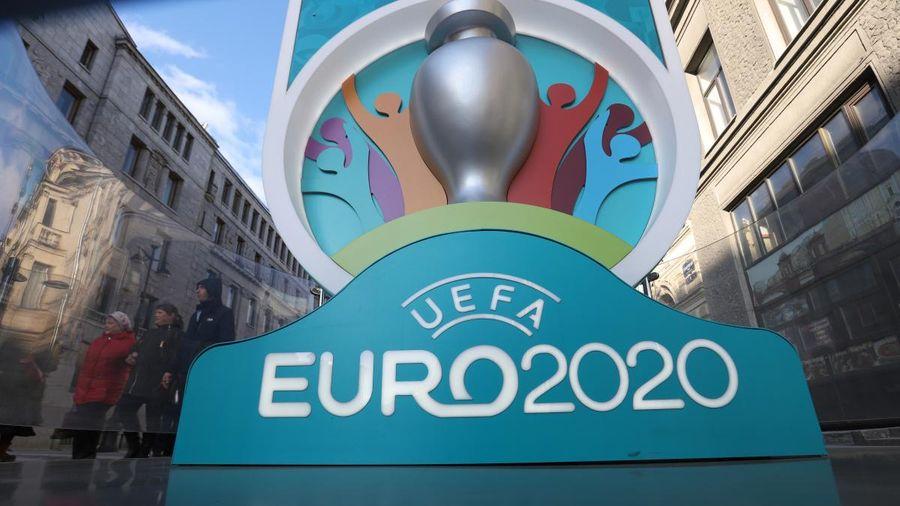 UEFA tước quyền đăng cai Vòng chung kết EURO 2020 của Tây Ban Nha