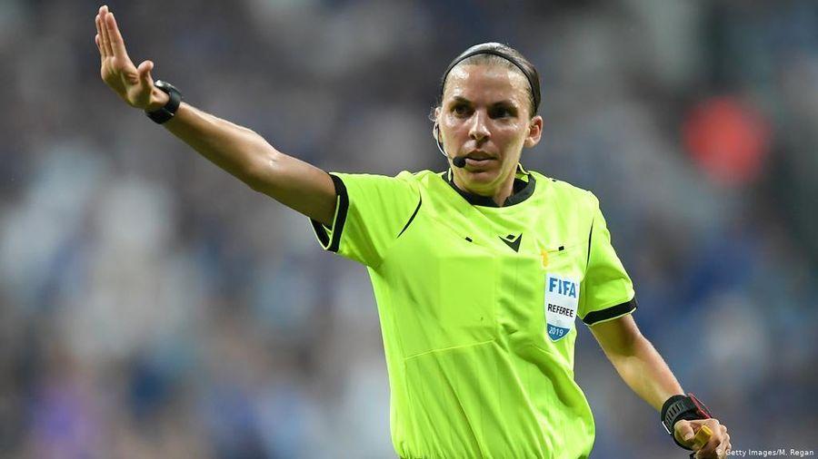 Nữ trọng tài đi vào lịch sử của giải bóng đá EURO