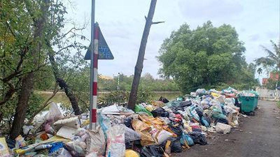 Bạc Liêu: Người dân bức xúc vì bãi rác tự phát gây ô nhiễm môi trường