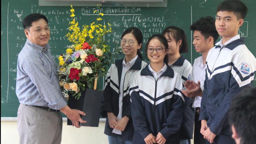 Bắc Giang: Thêm 7 thầy, cô giáo được phong tặng danh hiệu Nhà giáo Ưu tú
