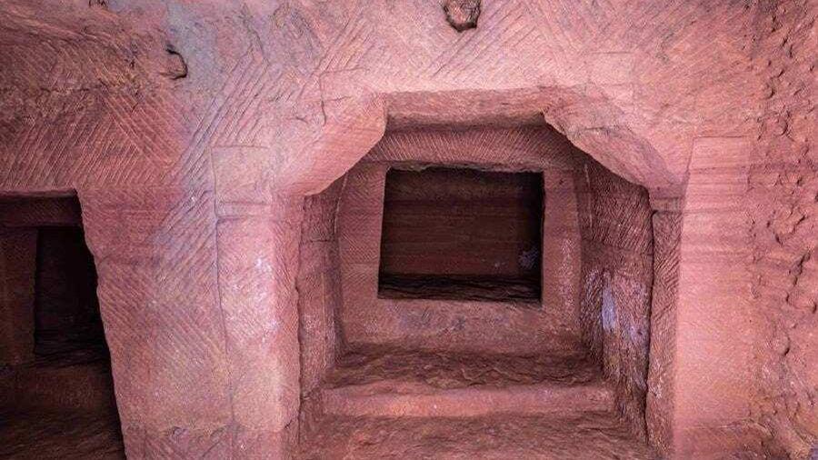 Khai quật mộ cổ 'vương giả' 1.000 năm tuổi: Cảnh tượng bên trong khiến chuyên gia sửng sốt