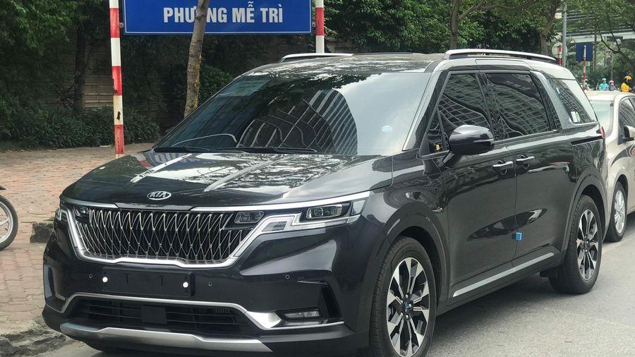 Kia Sedona 2021 xuất hiện tại Hà Nội