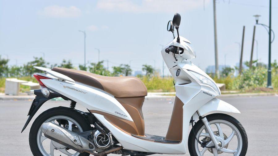 Tôi có nên lắp ốp inox trang trí cho xe máy?