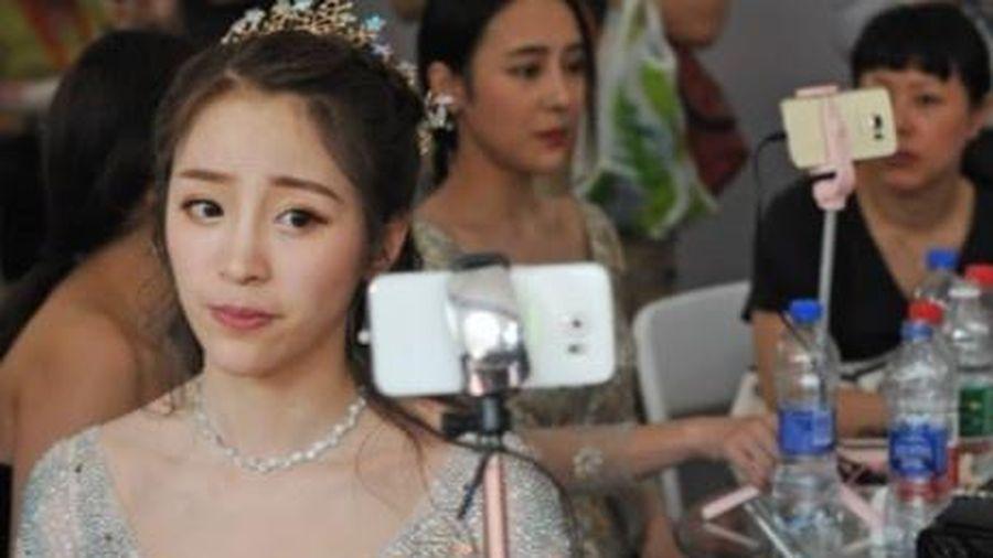 Trung Quốc cấm người dưới 16 tuổi livestream
