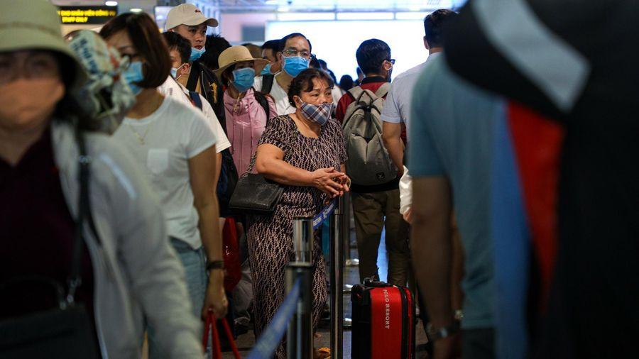 Thủ tướng yêu cầu quản lý chặt chuyến bay đưa người về Việt Nam