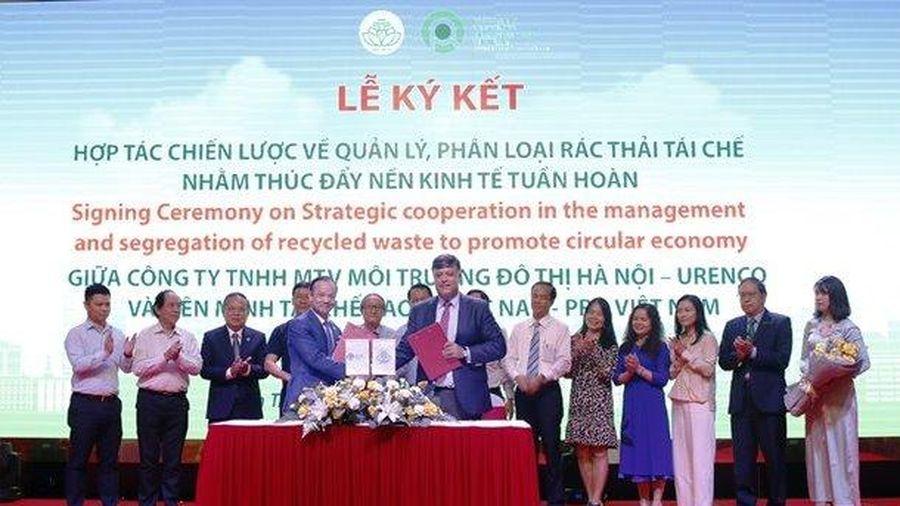 Liên minh Tái chế bao bì Việt Nam tham gia chương trình phân loại rác tái chế