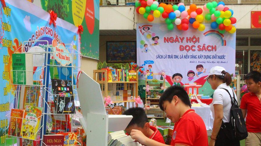 Hà Nội: Ngành Giáo dục Nam Từ Liêm hưởng ứng Ngày sách Việt Nam
