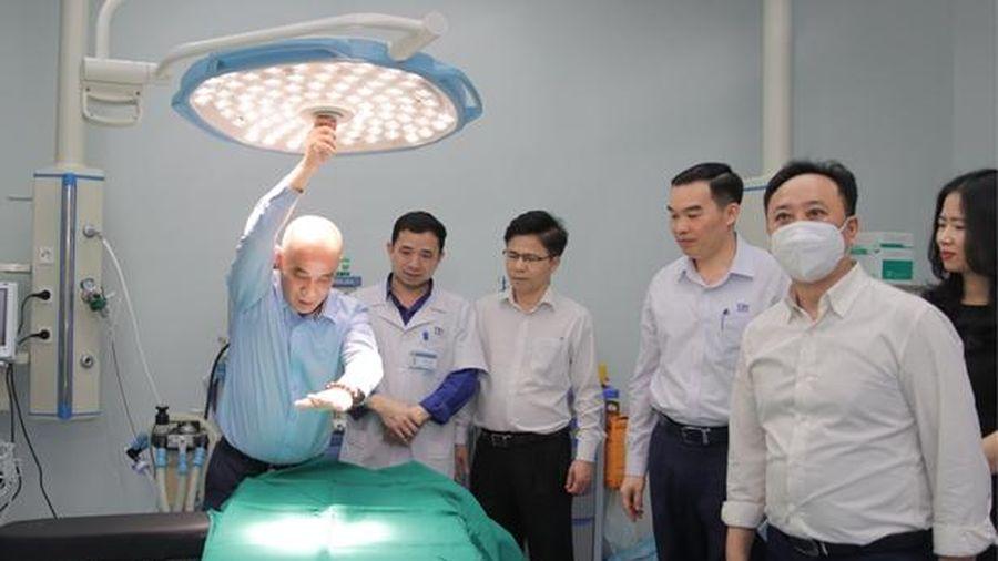Giám đốc BV Răng Hàm Mặt Trung ương khảo sát tại BVĐK TTH Hà Tĩnh