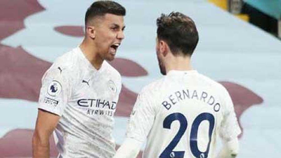Bernardo Silva, lời giải mới cho 'số 9 ảo' tại Man City