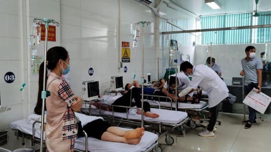 13 công nhân ở Yên Bái phải nhập viện cấp cứu nghi do ngộ độc thực phẩm