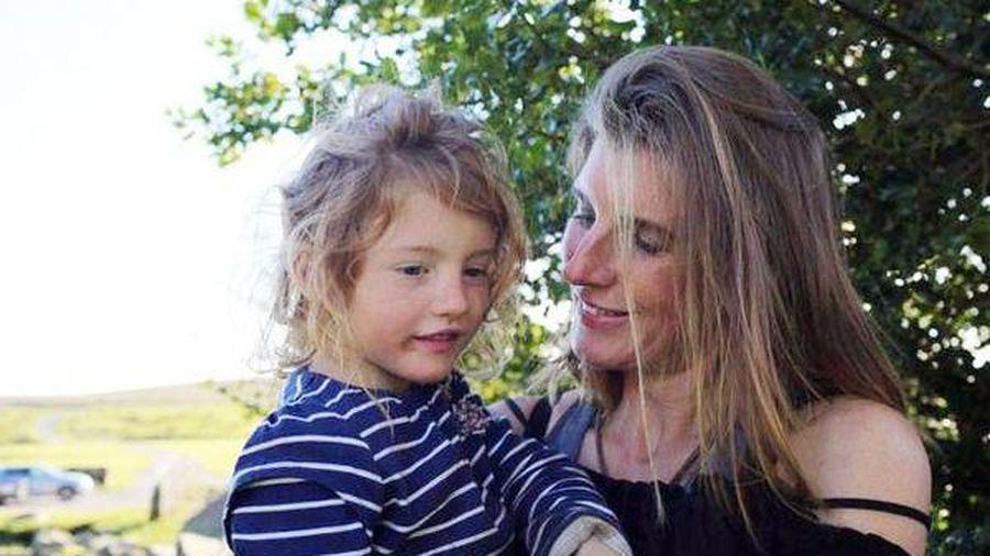 Bà mẹ 7 lần 'đẻ rơi', dành cả 15 năm thanh xuân chỉ để cho con bú