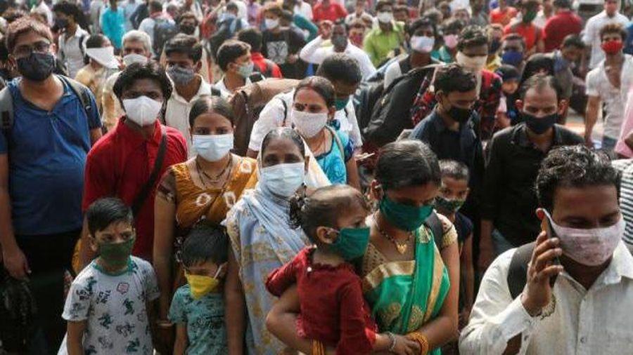 Singapore, Canada, Anh đồng loạt cấm người nhập cảnh từ Ấn Độ