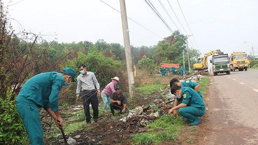 Lực lượng vũ trang H.Trảng Bom ra quân làm công tác dân vận