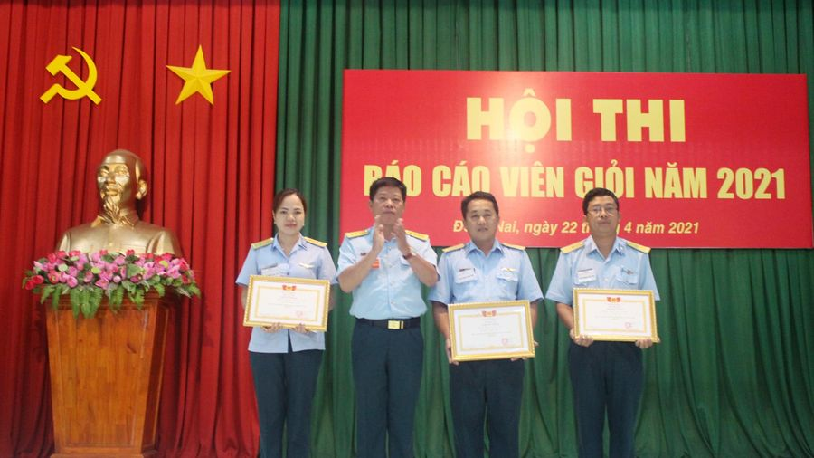 Thiếu tá Đoàn Quang Trung đoạt giải nhất hội thi Báo cáo viên giỏi Nhà máy A29 năm 2021