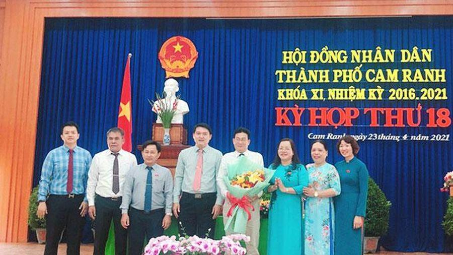 Ông Ngô Hữu Hiền được bầu giữ chức Phó Chủ tịch UBND TP. Cam Ranh