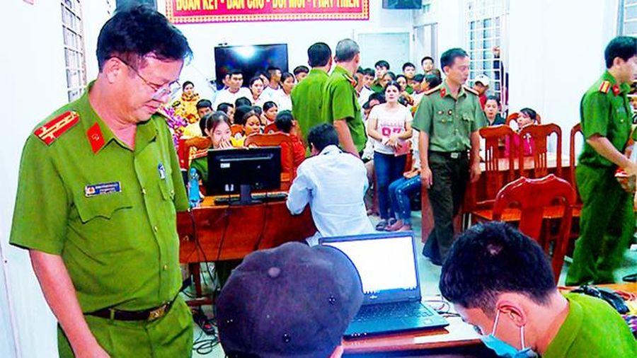 Kiểm tra công tác cấp căn cước công dân lưu động tại Khánh Vĩnh