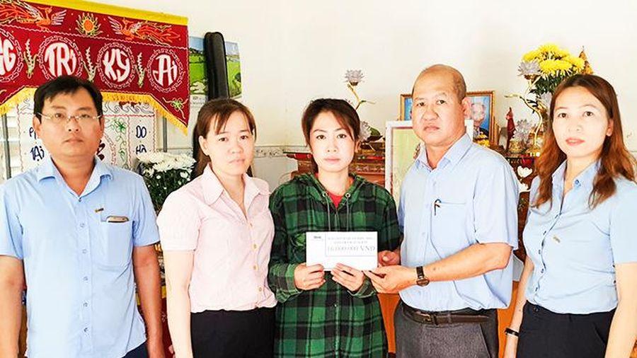 MIC Khánh Hòa: Chi trả bảo hiểm cho các gia đình có học sinh bị tử vong do đuối nước