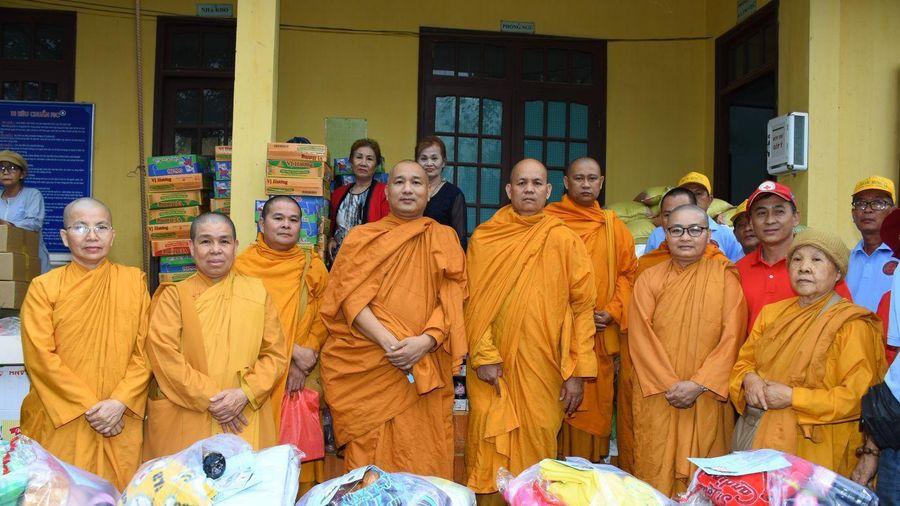 Giáo đoàn 6 tặng quà từ thiện tại tỉnh Lâm Đồng