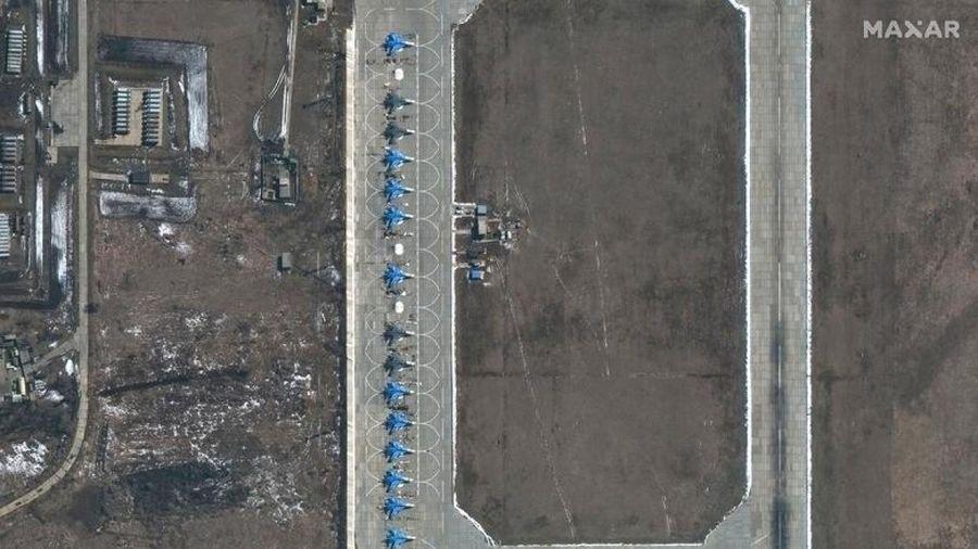 Biên giới Nga-Ukraine bất ngờ hạ nhiệt: Nga thông báo rút quân, sẵn sàng đối thoại
