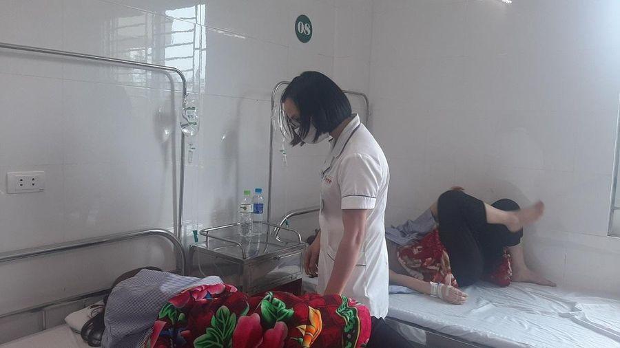 18 công nhân Công ty may UNICO ở Yên Bái nhập viện, nghi ngộ độc thực phẩm