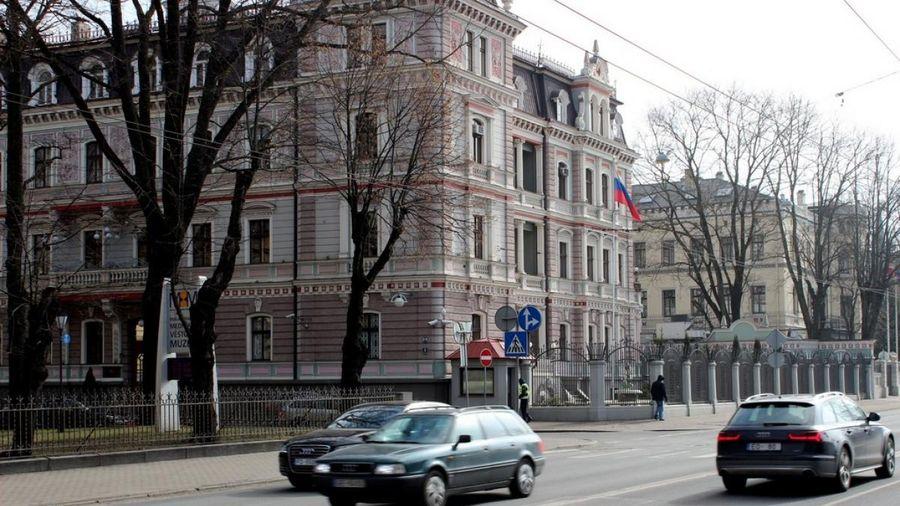 Thêm 3 nước Baltic trục xuất các nhà ngoại giao Nga