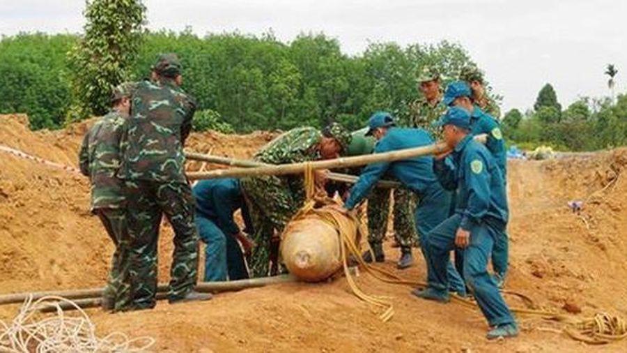 Sơ tán gần 2.000 người dân, chốt phương án xử lý quả bom nặng 340kg ở Vĩnh Phúc