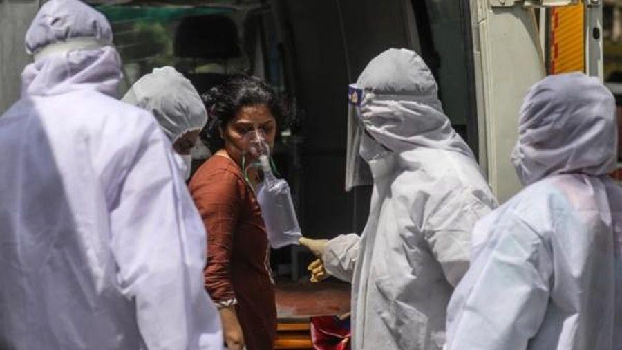 'Bóng ma' dịch bệnh quay lại, châu Á oằn mình chống dịch