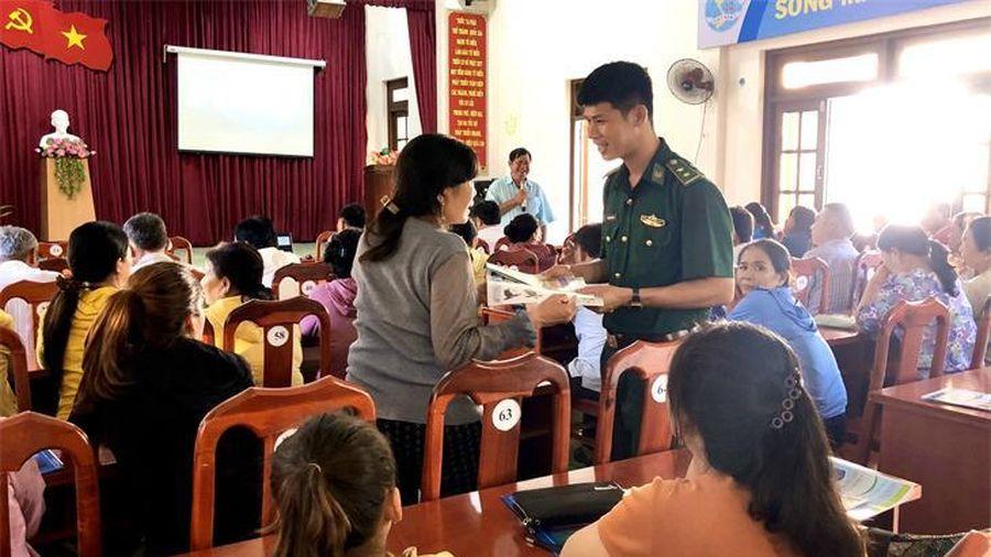 Tuyên truyền, phổ biến pháp luật cho ngư dân huyện đảo Phú Quý