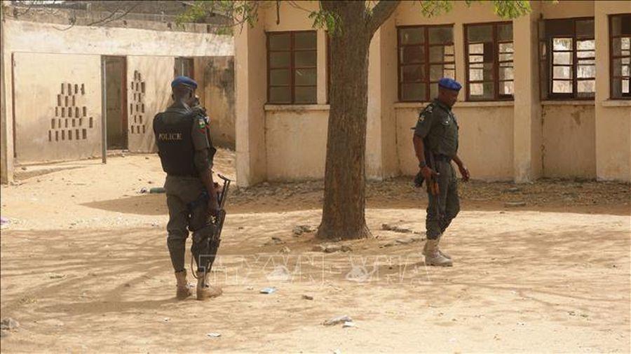 Nhóm bắt cóc bắn chết 3 con tin là sinh viên ở Nigeria