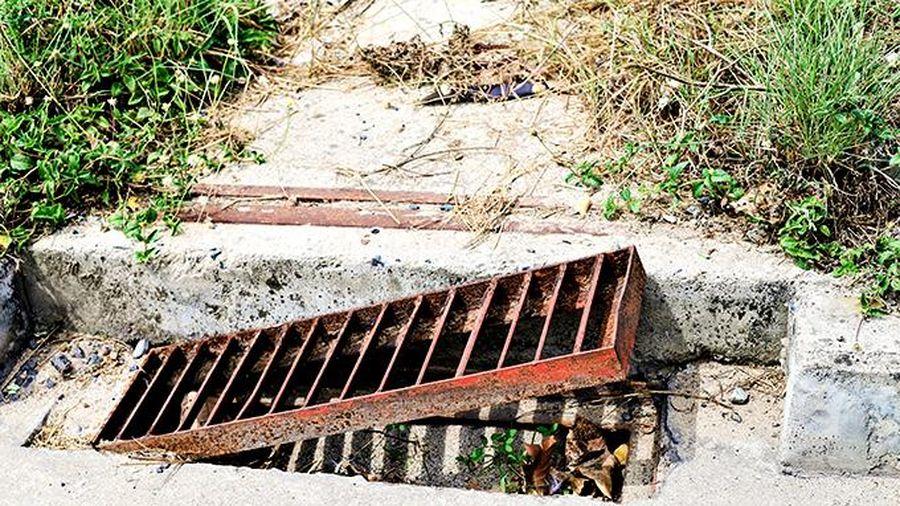 Nhiều hố ga bị che lấp, mất nắp