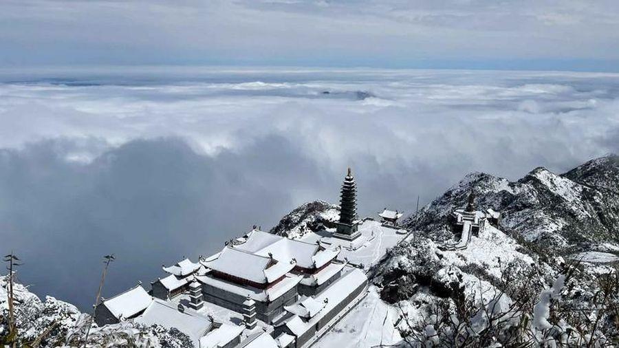 Giải mã sự linh thiêng của những ngôi chùa trên núi