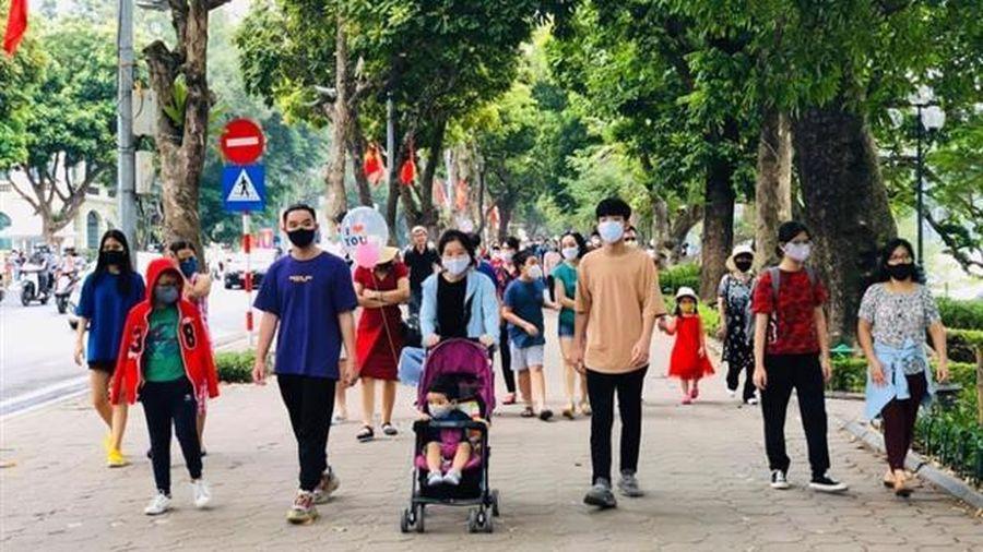 Hà Nội khuyến cáo người dân không ra khỏi nhà khi không cần thiết, không tổ chức liên hoan, tiệc mừng