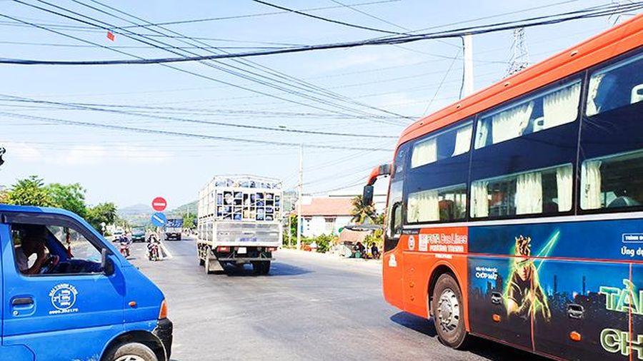 Nút giao Quốc lộ 1 - Nguyễn Lương Bằng (xã Vĩnh Phương): Người dân kiến nghị lắp đèn giao thông