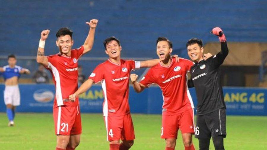 Trận Viettel FC - Hồng Lĩnh Hà Tĩnh diễn ra trên sân Việt Trì vào chiều 7-5