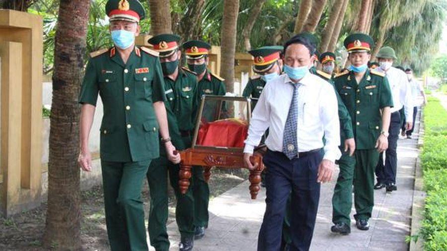 Đón 16 hài cốt liệt sĩ quân tình nguyện, chuyên gia Việt Nam về đất Mẹ