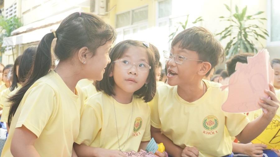 Học sinh TP.HCM tạm dừng đến trường từ 10-5, trừ lớp 9, 12
