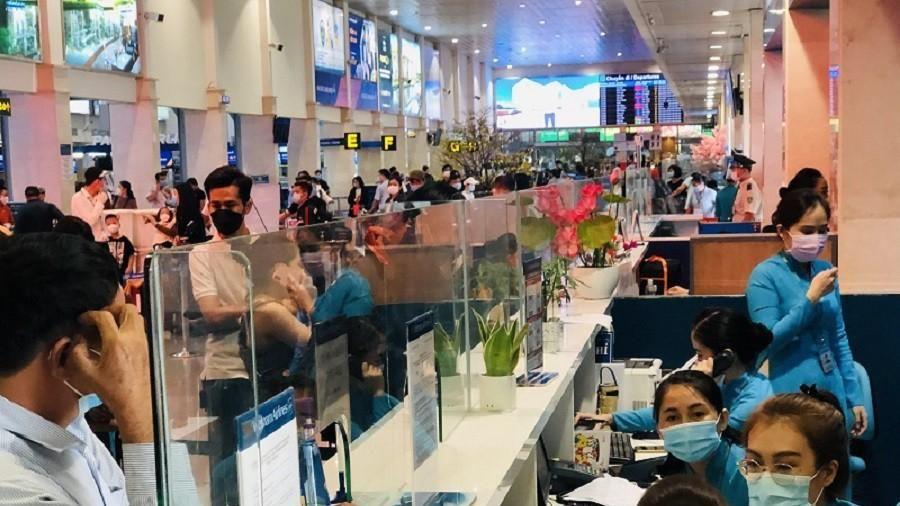 Lấy mẫu 500 xét nghiệm ngẫu nhiên ở sân bay Tân Sơn Nhất