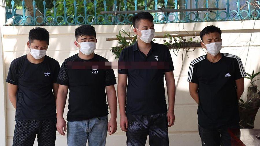 Công an phát hiện 4 người Trung Quốc trốn dưới gầm cầu