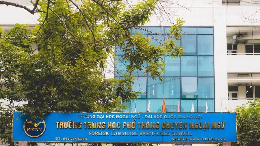 Trường THPT chuyên Ngoại ngữ cho học sinh thi trực tuyến