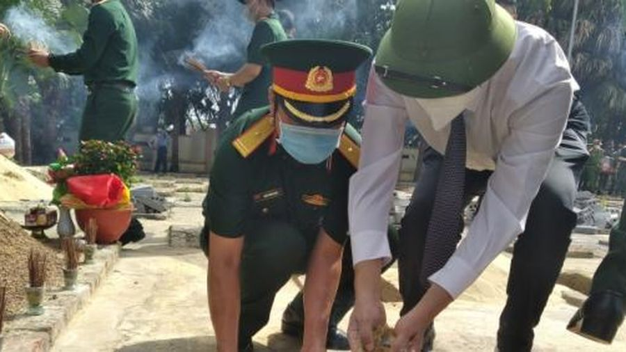 Quảng Bình truy điệu và an táng 16 hài cốt liệt sỹ hy sinh tại Lào