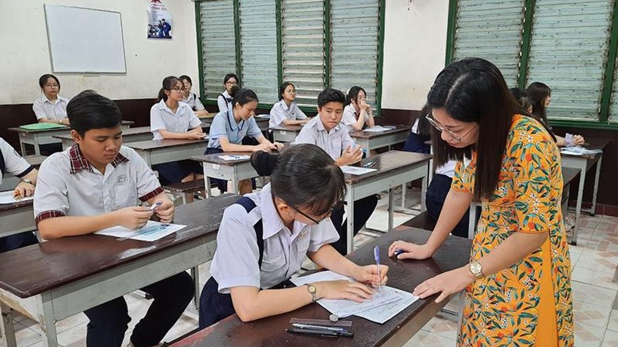 Học sinh TP Hồ Chí Minh tạm dừng đến trường từ ngày 10-5