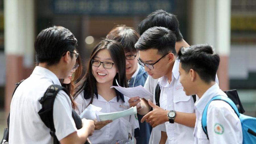 Bộ GD&ĐT công bố 144 thí sinh được miễn thi tốt nghiệp, tuyển thẳng vào đại học, cao đẳng năm 2021